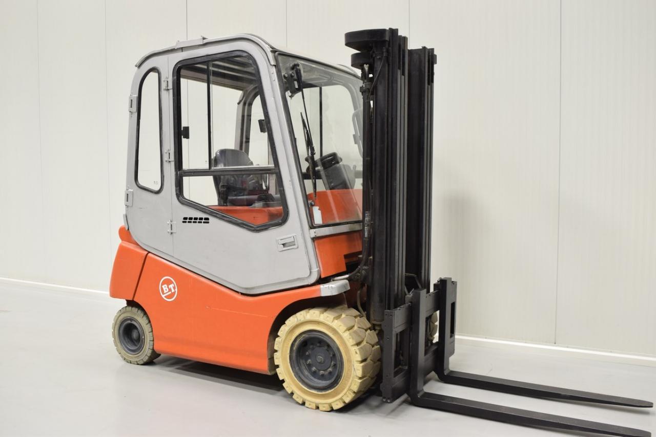 Xe nâng điện BT C4E 300V , 3 tấn 2007 chỉ 6046 giờ