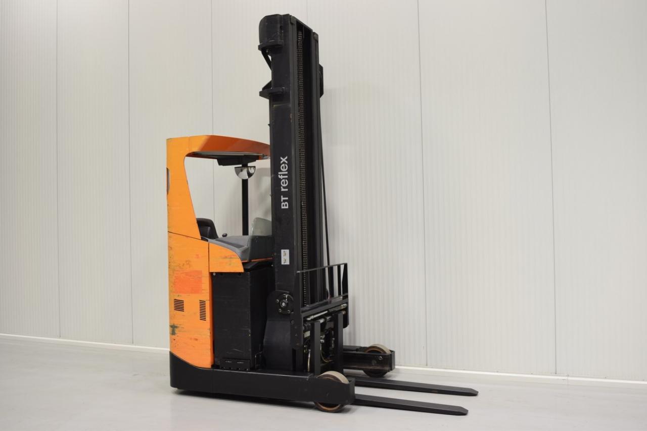 Xe nâng điện BT RRE 160  đứng lái 2010, 1.6 tấn chỉ 4885 giời