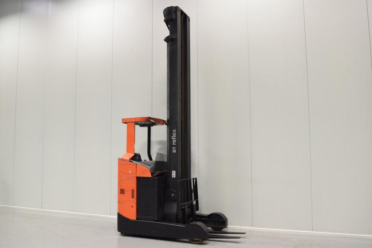 Xe nâng điện BT RRE 180 C đứng lái 1.8 tấn 2012
