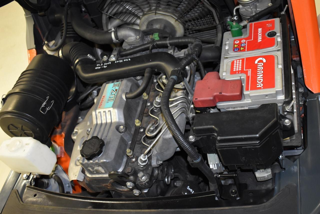 Xe nâng dầu TOYOTA, 2010, 1,5 tấn Model 02-8FDF15