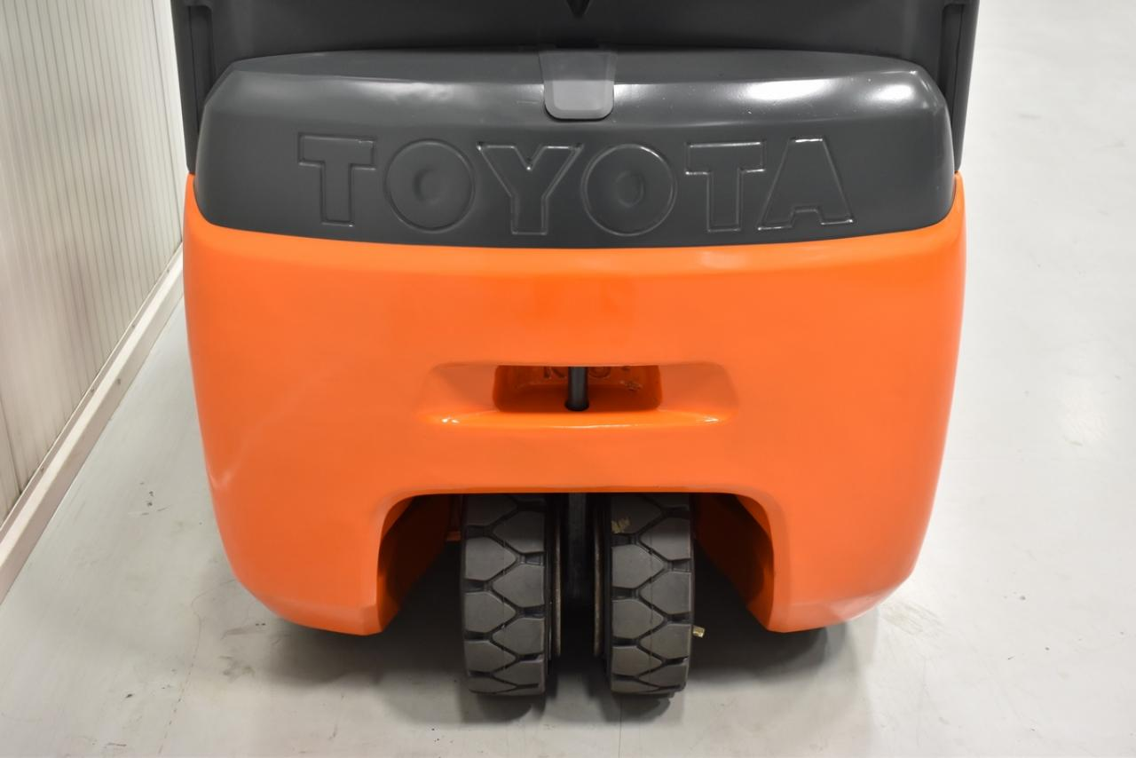 Xe nâng điện TOYOTA 8FBEKT16, 2012, 1,6 tấn