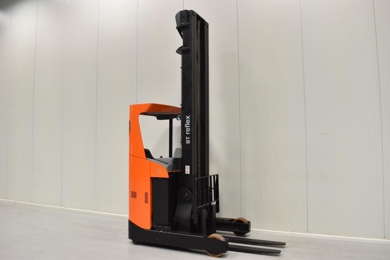 Xe nâng điện BT RRE 160 đứng lái 1.6 tấn 2010