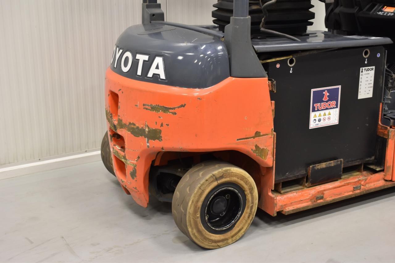 Xe nâng điện TOYOTA Model 8FBMT18, 2013, 1.8 tấn