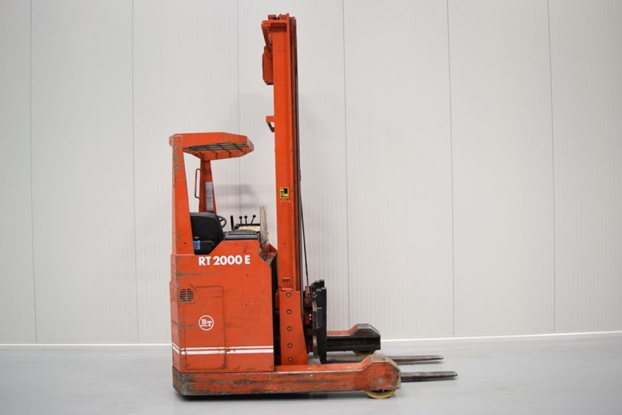 Xe nâng điện BT RT2000 đứng lái 2 tấn 1986